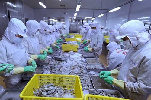 Fisheries industry sets export target of $10 billion