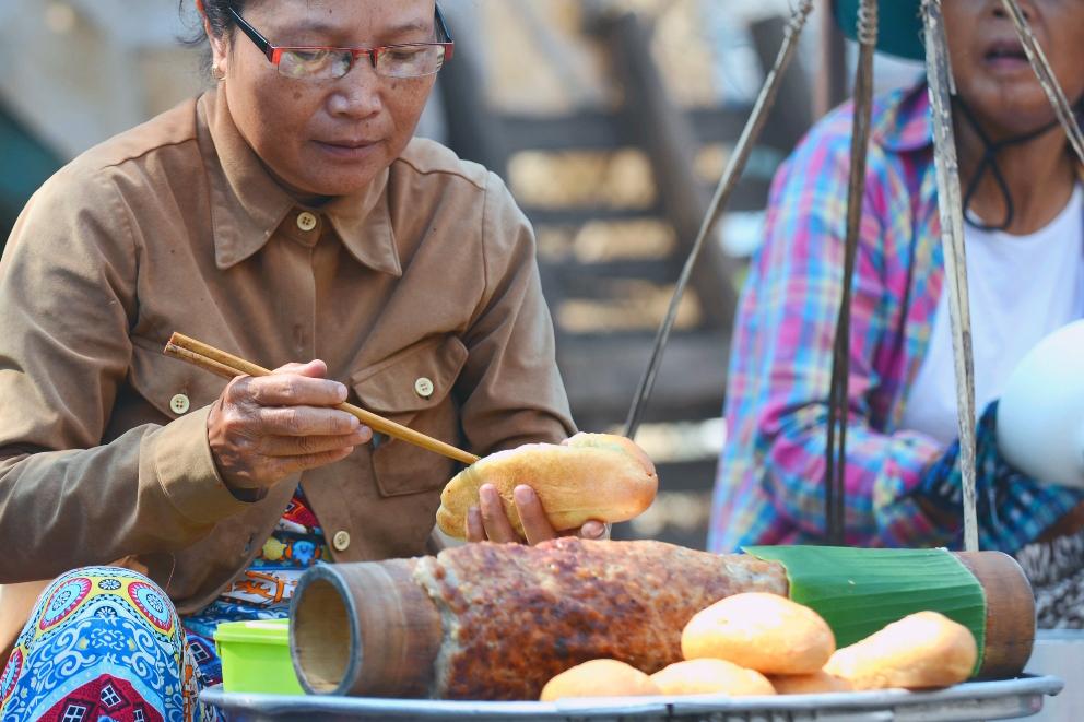 ẩm thực Huế, món ngon ở Huế, ẩm thực, chả nướng ống tre
