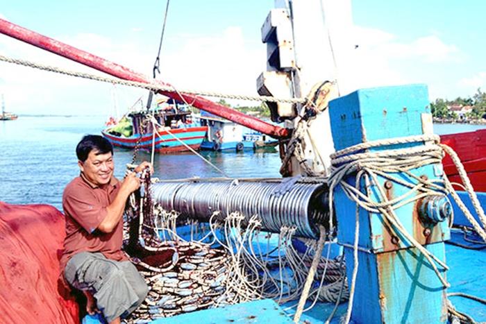 Khả quan nghề cá bằng lưới vây ánh sáng