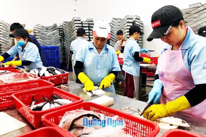 Chế biến, tiêu thụ thủy sản: Bỏ ngỏ thị trường nội địa