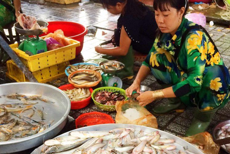 Giá cá chợ tăng mạnh