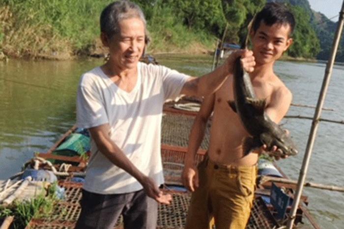 Nghề nuôi cá Chiên lồng trên sông