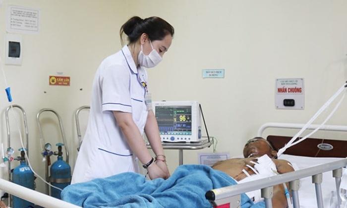 bệnh nhân máy sục khí