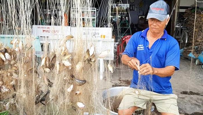 đánh cá mùa lũ
