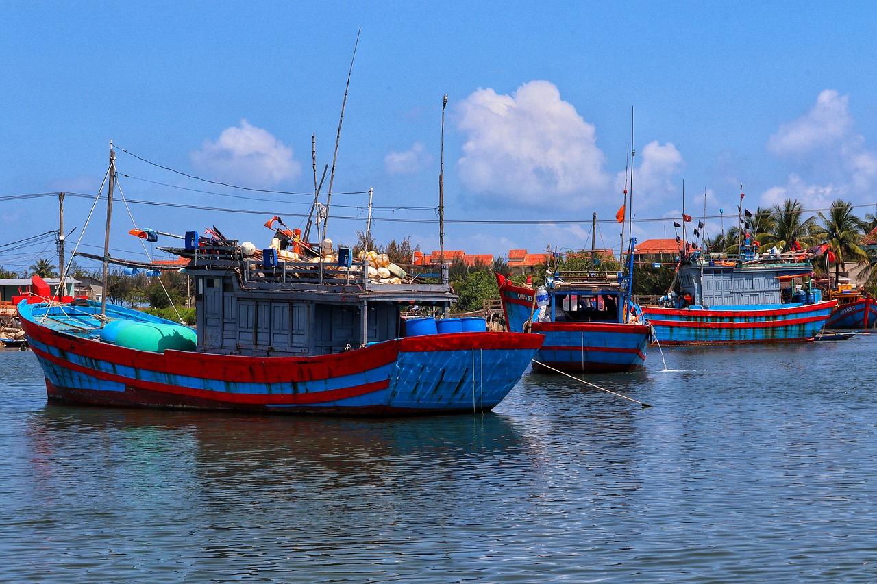 tàu đánh cá
