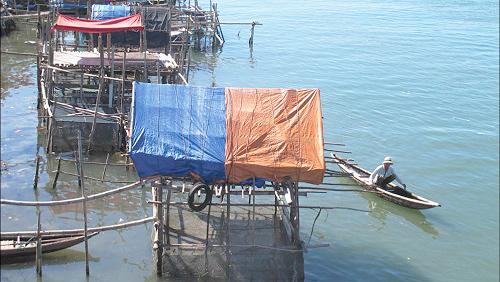 Thừa Thiên-Huế đối mặt với biến đổi khí hậu, ô nhiễm môi trường
