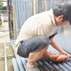 Sử dụng lồng, bè nuôi thủy sản bằng inox an toàn trong mùa lũ