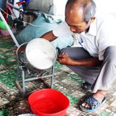 Kinh nghiệm phòng bệnh tôm nuôi mùa mưa của nông dân Quỳnh Lưu