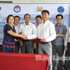 Ký kết hợp tác nuôi tôm đạt tiêu chuẩn quốc tế ASC