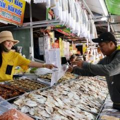 Phong phú hải sản khô phục vụ Tết
