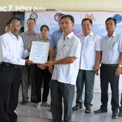 Hợp tác xã nuôi tôm 30/4 được cấp giấy chứng nhận ASC