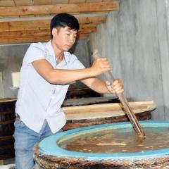 Vực dậy nghề nước mắm truyền thống