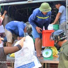 Kỳ Sơn: Hơn 5.357 kg cá giống cấp cho người dân có nhu cầu nuôi cá