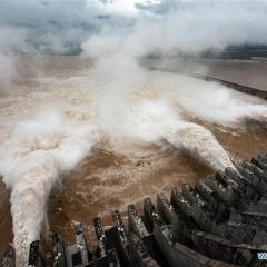 Lũ kỷ lục dồn về đập Tam Hiệp suốt 18 tiếng, nước lên cao chưa từng thấy
