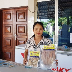 Cô giáo làm khô cá lóc, mỗi tháng bán 500kg