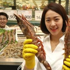 Tôm Việt đắt khách tại Hàn Quốc