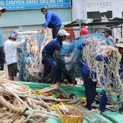 Bến Tre: Tạo mọi điều kiện cho ngư dân vươn khơi đánh cá