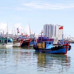 Đồng hành với ngư dân