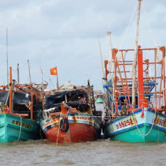 Giãn cách xã hội cho ngư dân