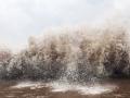 Bão số 12 có thể khiến sóng biển ven bờ cao 4m