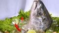Cứu 4 người chết đuối, được tặng... đầu cá trọn đời